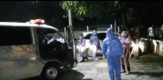 Sopir Taksi Online asal Bogor Tewas di Mobil, Evakuasi Gunakan APD