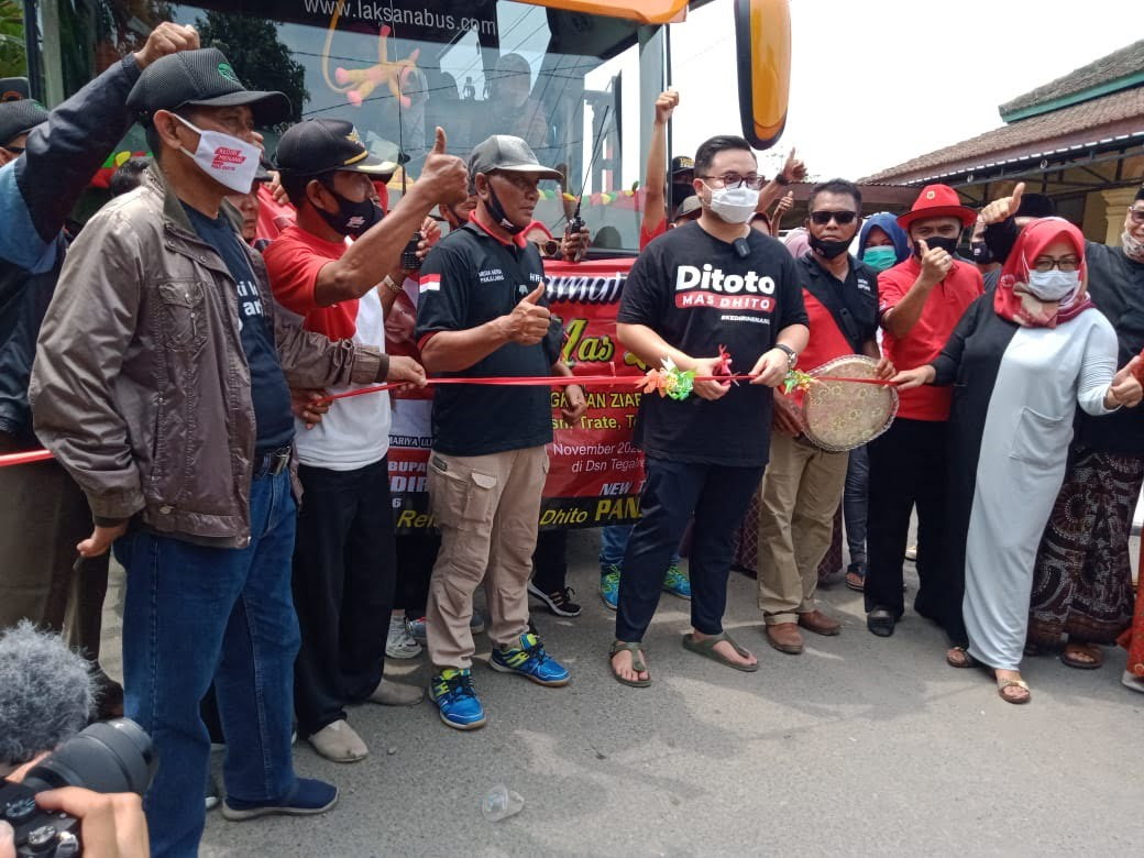 Mas Dhito Berangkatkan Rombongan Ziaroh Wali Madura